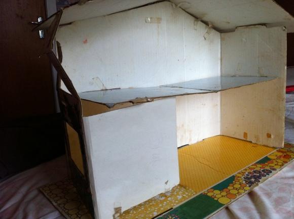 Interior Cardboard House